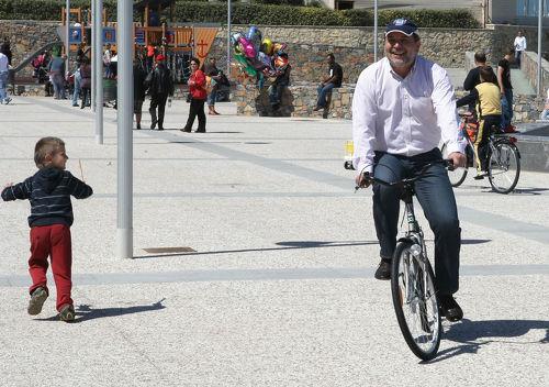 Ο Δήμαρχος με το ποδήλατο