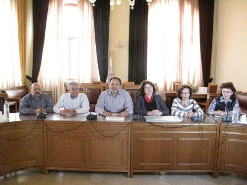 Ο Δήμαρχος Ηρακλείου με την κα Ντόρα Γαλάνη και στελέχη του Δήμου Ηρακλείου