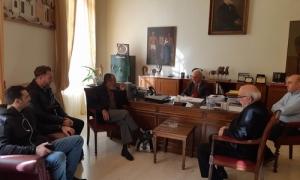 Την ομάδα υδατοσφαίρισης  του ΟΦΗ συνάντησε ο Δήμαρχος Ηρακλείου Βασίλης ΛαμπρινόςΕθιμοτυπική συνάντηση με αντιπροσωπεία της ομάδας υδατοσφαίρισης του ΟΦΗ είχε το πρωί της Δευτέρας, στο γραφείο του στη Λότζια, ο Δήμαρχος Ηρακλείου Βασίλης Λαμπρινός.