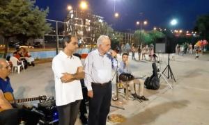 Στον Κλήδονα του Κατσαμπά ο Δήμαρχος Ηρακλείου Β. ΛαμπρινόςΣτην αναβίωση του εθίμου του Κλήδονα, στο γήπεδο μπάσκετ του Κατσαμπά, παρευρέθηκε το βράδυ της Κυριακής 24 Ιουνίου ο Δήμαρχος Ηρακλείου Βασίλης Λαμπρινός.