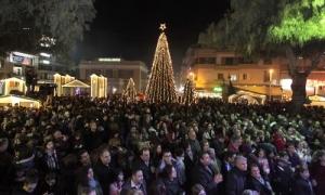 Μουσικοποιητική βραδιά στον Θεατρικό Σταθμό Ηράκλειου - Οι εκδηλώσεις στο «Χριστουγεννιάτικο Κάστρο» την Δευτέρα 10 ΔεκεμβρίουΜε μία μουσικοποιητική βραδιά ξεκινούν οι Χριστουγεννιάτικες εκδηλώσεις του Δήμου Ηρακλείου. Πιο συγκεκριμένα την Κυριακή 10 Δεκεμβρίου στις 21:00 στον Θεατρικό Σταθμό Ηρακλείου ο Βαγγέλης Σαμαράκης και η «Μουσική Συντροφιά» του προσκαλούν τους Ηρακλειώτες σε μια μουσικοποιητική βραδιά με τίτλο: «Μάλια, Μίλατος και Σίσι…».