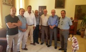 Συναντήσεις Δημάρχου Ηρακλείου Βασίλη Λαμπρινού με Εμπορικό Σύλλογο και ΟΕΒΕΝΗΣυνεχίστηκαν το πρωί της Τρίτης 25 Ιουνίου οι συναντήσεις του Δημάρχου Ηρακλείου Βασίλη Λαμπρινού με τους φορείς της πόλης, ενόψει της νέας αυτοδιοικητικής περιόδου.