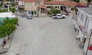 Ολοκληρώνεται η ανάπλαση  της κεντρικής οδού και της νέας παιδικής χαράς στο ΡουκάνιΤην Κοινότητα Ρουκανίου του Δήμου Ηρακλείου επισκέφθηκε την Τετάρτη 27 Μαΐου ο Αντιδήμαρχος Τεχνικών Έργων Γιάννης Αναστασάκης προκειμένου να προχωρήσει σε αυτοψία στην ολοκληρωμένη πλέον «Ανάπλαση της κεντρικής οδού Ρουκανίου».