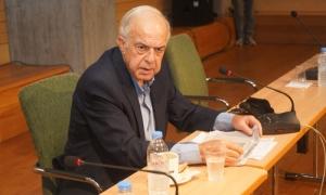 Έκτακτη σύσκεψη για την αξιοποίηση της έκτασης του αεροδρομίου Ηρακλείου-Κοινό μέτωπο αντίδρασης από τους φορείςΣτη συγκρότηση επιτροπής η οποία θα αποτελείται από τον Περιφερειάρχη Κρήτης, τον Δήμαρχο Ηρακλείου και τους Βουλευτές του νομού και θα επισκεφθεί τον αρμόδιο υπουργό για να εκφράσει την έντονη αντίδραση της τοπικής αυτοδιοίκησης αλλά και της κοινωνίας του Ηρακλείου σχετικά με το θέμα της αξιοποίησης της έκτασης του αεροδρομίου «Ν. Καζαντζάκης» μετά τη λειτουργία του νέου αεροδρομίου στο Καστέλι, προχωρούν οι εμπλεκόμενοι φορείς.